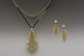 honeycomb neck and earrings